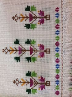 This Pin was discovered by Ber Cross Stitch Borders, Cross Stitch Art, Cross Stitch Embroidery, Hand Embroidery, Cross Stitch Patterns, Embroidery Patterns Free, Embroidery Designs, Crochet Patterns, Graphic Design Portfolio Examples