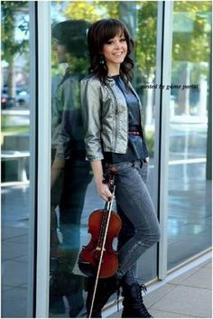Lindsey Stirling- amazing violinist and true inspiration