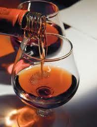 A História do Brandy ou cognac ou conhaque  Como qualquer outro Brandy,  a história do conhaque começa nos vinhedos.