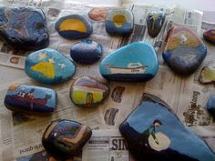 painted stones - would be nice for a seaside topic, perhaps using stones the children collected themselves on a trip. Seaside Art, Seaside Theme, Beach Art, Pebble Painting, Stone Painting, Rock Painting, Lighthouse Keepers Lunch, Diy For Kids, Crafts For Kids