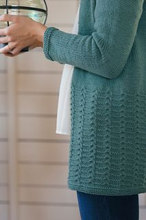 sugarloaf cardigan by melissa labarre / from lodge, a fall 2016 collection from the quince design team / in quince & co. Knit Cardigan Pattern, Sweater Knitting Patterns, Cardigan Sweaters For Women, Couture, Lana, Crochet, Knits, Fall 2016, Craft