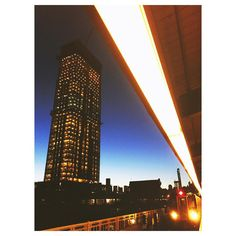 """Ever #growing, ever #moving. The city in #motion.  #newyorkcity #newyork #nyc #queens #7train #LIC #longislandcity #fridaynight #lights #building…"""