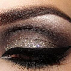 glitter + smokey eyes makeup