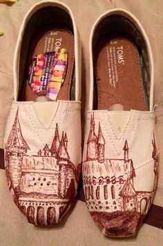Harry Potter Hogwarts Toms by ArtisticCreations13 on Etsy