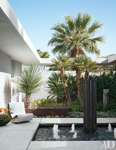 Emily Summers's California Desert Retreat : Architectural Digest Palm Springs, Rocky Springs, Indoor Outdoor Living, Outdoor Rooms, Outdoor Furniture, Outdoor Decor, Architectural Digest, Architectural Services, Garden Water Fountains