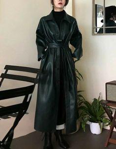 Look Fashion, Korean Fashion, Girl Fashion, Fashion Outfits, Fashion Design, Winter Fashion, Cute Casual Outfits, Pretty Outfits, Schwarzer Mantel Outfit