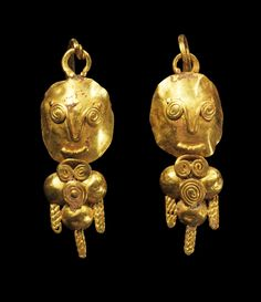 Pair of golden earrings from the Levant. Roman, late 2nd - 3rd century A.D.