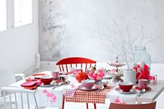 tavola pasquale in red & white