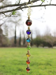 Chakras Suncatcher Meditation Tool Yard Art - Re-Wilding Sun Catchers, Diy Wind Chimes, Wire Crafts, Jewelry Crafts, Mobiles, Wire Art, Beads And Wire, Bead Art, Wire Jewelry