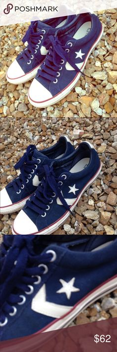 EUC! Converse Unisex Lows Men's 7.5 Women's 9.5 Navy light suede uppers with white leather logos on the inner, outer & backs of the shoes. Very well taken care of. Converse Shoes Sneakers