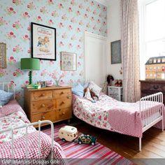 Kinderzimmer mit Blumenmuster