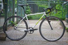 Single speed Cyclocross bike! Cool.
