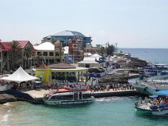 Oh, how I miss walking the streets in Georgetown. I love Grand Cayman❤!