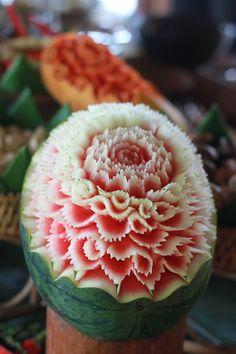 Gorgeous watermelon flower--Thai fruit carving!