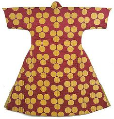 kaftan of red silk with yellow circles