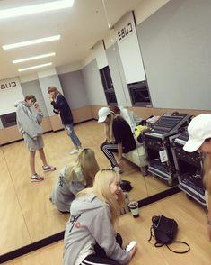 Regardez les photos et vidéos Instagram de Hyun Ah (@hyunah_aa)