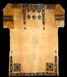 Tunic, probably 5th century, Egypt. Linen, wool; plain weave, tapestry weave