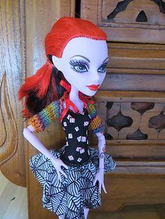 Free knitting shrug pattern for Monster High dolls
