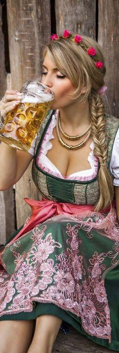 Octoberfest Girls, Oktoberfest Beer, German Women, German Girls, German Beer Festival, Beer Maid, German Costume, Beer Girl, Dirndl Dress