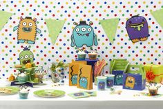 Amazon.com - Ginger Ray Monster Party Cupcake Stand - Monster Madness - Party Decorations