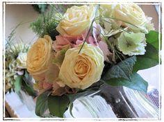 fresh flowers colour combination - Google Search