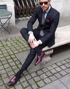 urban men // city boys // mens fashion // mens accessories // sun glasses // stylish men //