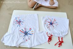 DIY Firework Shirt, using pipe cleaners and paint July Crafts, Summer Crafts, Holiday Crafts, Holiday Fun, Summer Fun, Crafts For Kids, Preschool Crafts, Holiday Ideas, Homemade Shirts