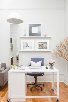 Clean white office: http://www.stylemepretty.com/living/2015/04/06/boutique-manhattan-office-space/ | Photography: Sasha Israel - http://sashaisraelphotography.com/
