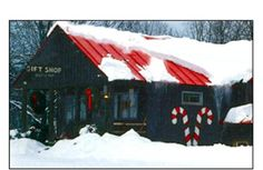 The Green Mountain Sugar House, Ludlow Vt.  A fabulous gift shop full of fabulous Vermont souvenirs and maple products, and lots more. If you have never had a Maple Creemee this is the place to try one!  Stop in and say hello to Kelly, the golden lab. She's a sweetheart.
