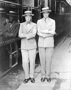 """The Prince of Wales (later King Edward VIII/Duke of Windsor) and his younger brother George - The Duke of Kent, The name thing in this family gets a bit confusing since their brother Albert -""""Bertie"""" - chose to be called King George. Edward Viii, George Duke, King George, Reine Victoria, Queen Victoria, Duchess Of York, Duke And Duchess, British Style, British Royals"""