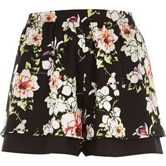 River Island Black floral print shorts (48.340 COP) ❤ liked on Polyvore featuring shorts, bottoms, pants, skirts, black, sale, swimwear / beachwear, women, river island and tall shorts