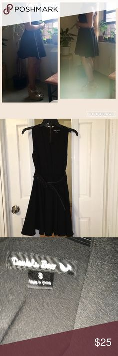 Fit & Flare Dress Black with belt. Very cute. Comfortable and in excellent condition Double Zero Dresses Mini