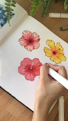 Realistic Flower Drawing, Simple Flower Drawing, Easy Flower Drawings, Beautiful Flower Drawings, Flower Drawing Tutorials, Flower Tutorial, Hibiscus Flower Drawing, Flower Art Drawing, Watercolor Artwork