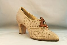 1920s Women's Perforated Oxford with Woven Details