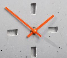 Uhren - Betonuhr, Tischuhr, eckig Beton/ Bambus - ein Designerstück von D-Kraehmer bei DaWanda