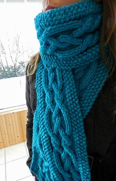 Bulky Cabled Scarf Knitting Pattern