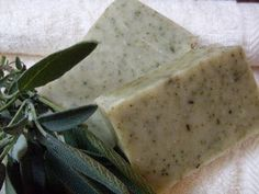 Lemongrass and Olive Oil Soap with Sage. Cold-process recipe and tutorial, palm-free and vegan. #diy
