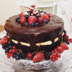 Chocolate and Berries Naked Cake