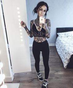 Monami Frost - I love all her clothes! Tattoed Women, Tattoed Girls, Inked Girls, Monami Frost, Hot Tattoos, Girl Tattoos, Tatoos, Bodysuit Tattoos, Sleeve Tattoos
