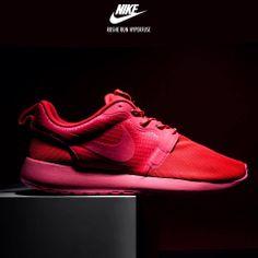 Nike Roshe Run Hyperfuse: Red