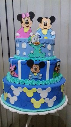 bolo fake minnie Baby #bolofakeminnie #bolominnie #festaminnie #minnie Bolo Fake Minnie, Minnie Baby, Birthday Cake, Desserts, Food, Pink Bows, Candy Table, Cake Ideas, Red Roses