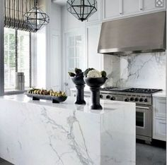 Kitchen Interior Design White Carrara Marble Slab for Waterfall Island /Wall Kitchen Island Beautiful Kitchens, Cool Kitchens, Beautiful Interiors, New Kitchen, Kitchen Decor, Kitchen White, Decorating Kitchen, White Kitchens, Country Kitchen