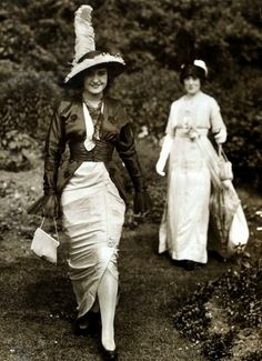 via @Pentrarto     Fashion at Royal Ascot c.1913