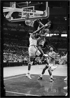 The GOAT smashes one on Patrick Ewing in the 91 playoffs in Madison Square Garden.