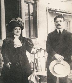 Italian Vintage Photographs ~ ~ Guccio Gucci and his Mum! Italian Chic, Italian Girls, Italian Art, Vintage Italian, Italian Style, Monsieur Madame, Guccio Gucci, Italian Fashion Designers, Roaring Twenties