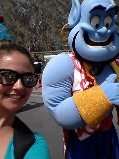 Gênio Allandin parada Shake it Magic Kingdom Disney