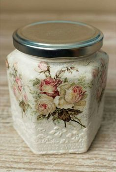 Expert Tips to Correctly Use Acrylic Paint on Glass - Art Hearty Glass Bottle Crafts, Diy Bottle, Decoupage Vintage, Hobbies And Crafts, Diy And Crafts, Altered Bottles, Painted Mason Jars, Bottles And Jars, Mason Jar Crafts