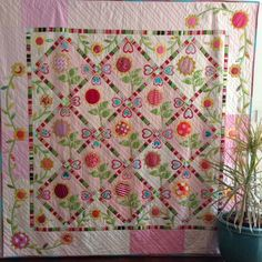 New quilt pattern by Sarah Fielke to be published in 2015. Has agreed to teach a class before the book comes out. A beautiful quilt.