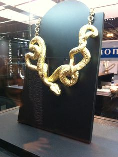 Snake and shake!!!!! NECKLACE