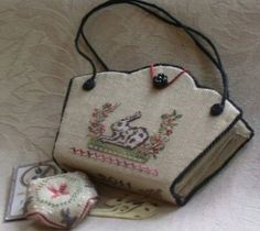 Online Workshop - German Spotted Hare Needle Purse